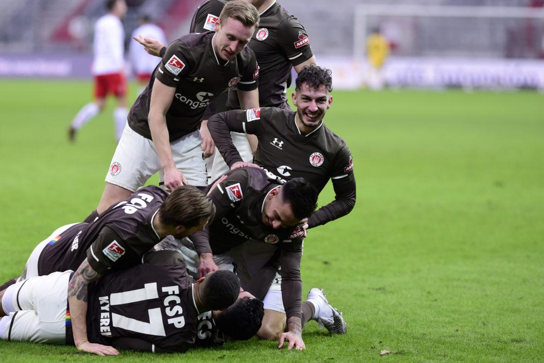 FC St. Pauli – SSV Jahn Regensburg: Herrscher des Chaos!