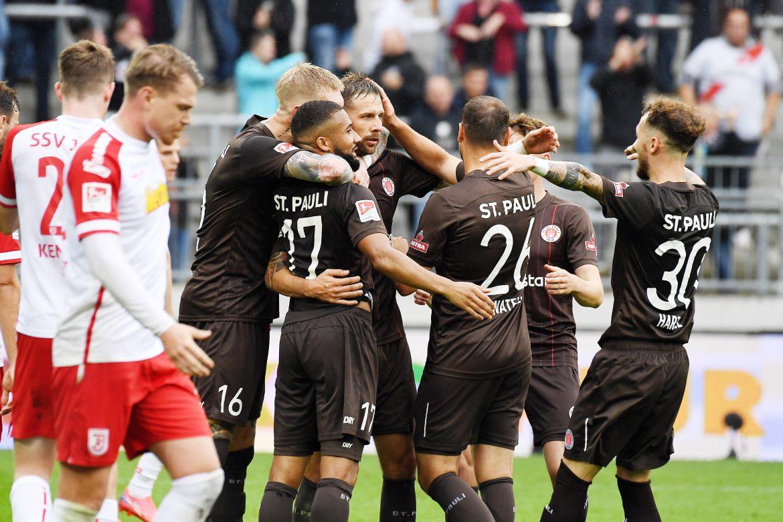 FC St. Pauli – SSV Jahn Regensburg 2:0 – Freude schöner Fußballzauber!
